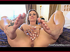 Blonde Loves Anal Sex & Footjobs