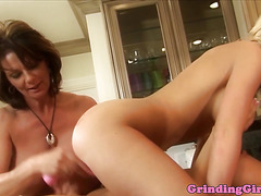 Bigit milf strapon fucked in kitchen