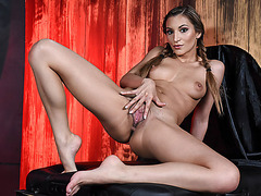 Brunette Moka Mora simply adores pleasuring big Cock