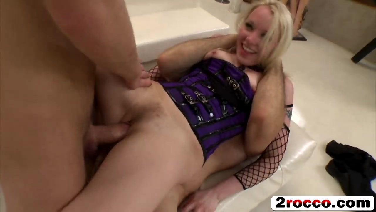Hot Babe Gets Fucked Hd