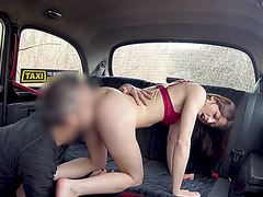 French babe gets her pussy slammed hard by the cab driver
