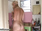 Amateur lesbians licking