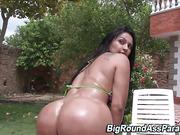 Fetish booty hoe sucks cock