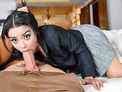 Mayas black pussy got a quick fuck session