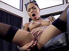 CrushGirls - Honey Gold testing out her new dildo