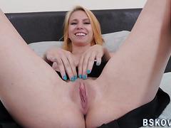 Teenage pornstar rubs vag