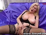 Cum swallowing mature hoe fingers