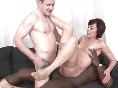 Mature Lara gets anal drilled and fucked in her pussy by black and white