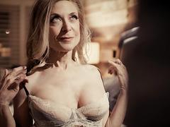 Seductive GILF Nina Hartley fucks a younger dick