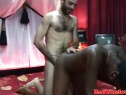 Ebony redlight hooker fucks italian dude