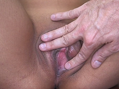 Mia Khalifas sweet pussy got fingered