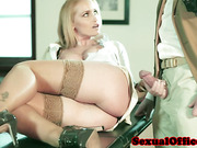 Cocksucking office babe in stockings riding