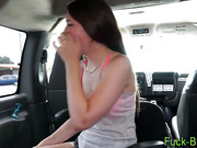 Teen amateur gets pounded