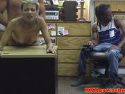 Ebony amateur facialized in front boyfriend for some quick cash