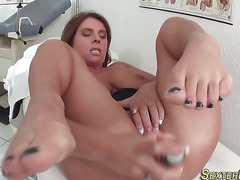 German milf gets fingered