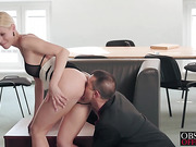 Fantastic secretary Lynna wants her boss inside her hot cunt