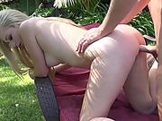 Blonde hottie Staci Jaxxx is getting her twat fucked